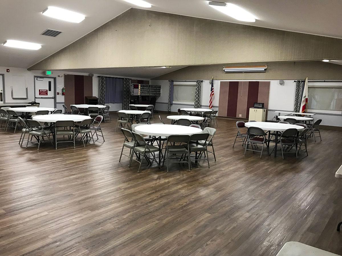 Auditorium (160 with tables / 200 max)